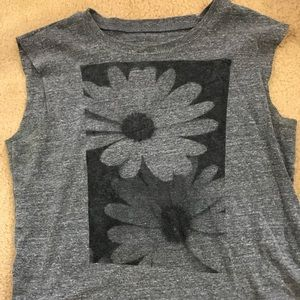 Brandy Melville cropped flower muscle tee